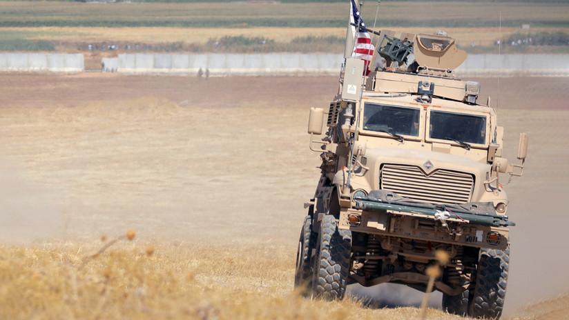 Un gran convoy de blindados de EE.UU. cruza el noreste de Siria (VIDEO)