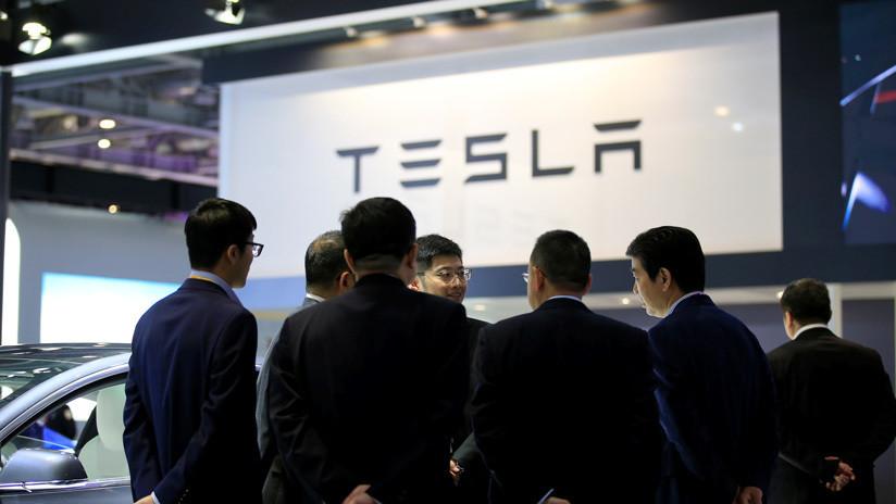 China da luz verde a la producción de coches eléctricos Tesla en Shanghái