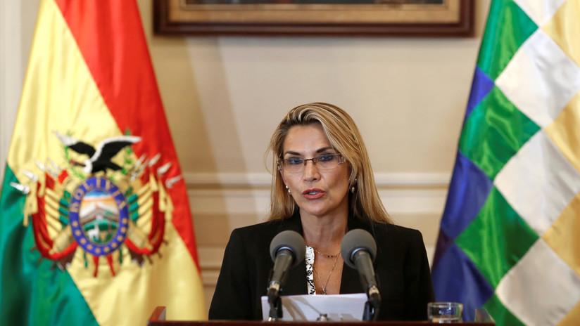 La autoproclamada presidenta interina de Bolivia niega que hubo golpe de Estado