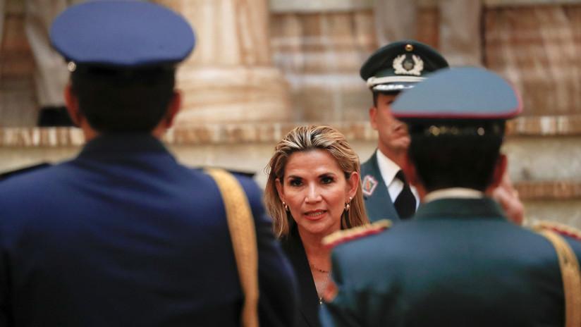 Jeanine Áñez designa al nuevo comandante en jefe de las Fuerzas Armadas de Bolivia