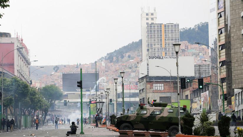 La represión a las protestas contra el golpe de Estado marcan el primer día de Áñez tras su autoproclamación en Bolivia