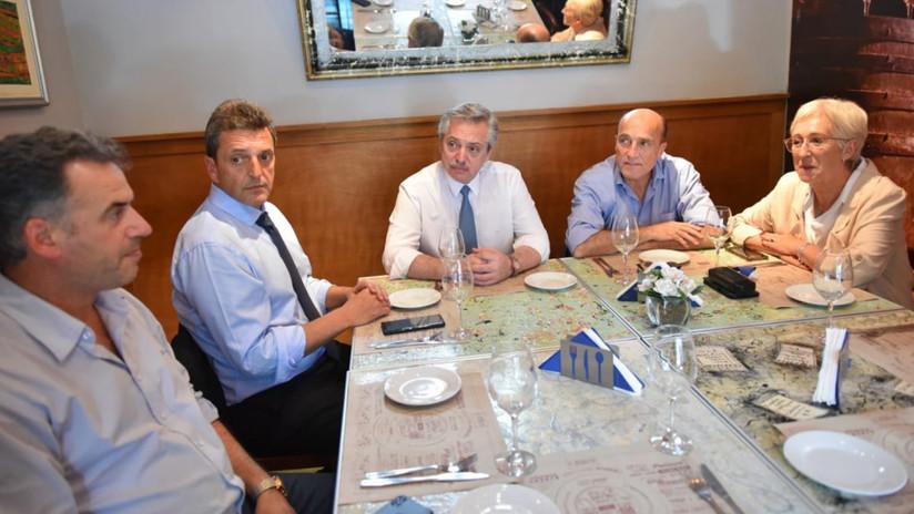 Alberto Fernández se reúne en Uruguay con el candidato del Frente Amplio, Daniel Martínez
