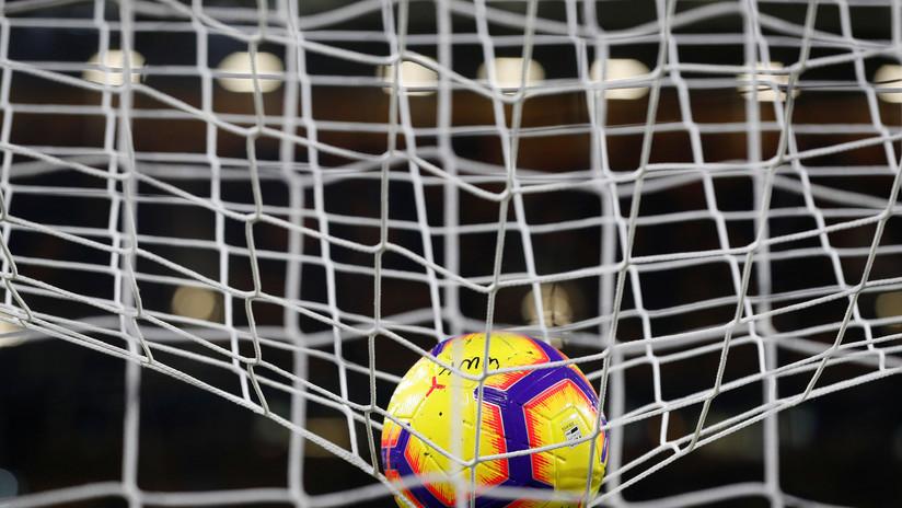 VIDEO: Arquero brasileño 'salva' un gol por detrás de la portería y la aprobación del árbitro desata polémica