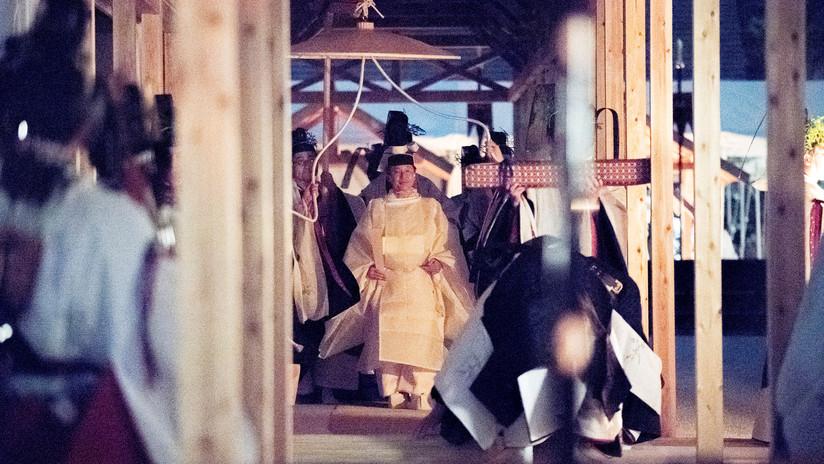 Emperador de Japón participa en un ritual religioso para su coronación que cuesta 22 millones de dólares