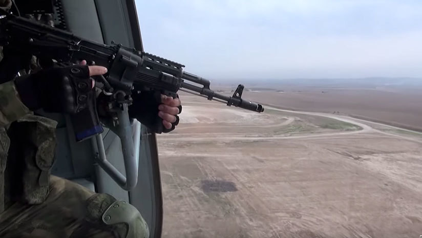 VIDEO: Militares rusos entran en una base abandonada de EE.UU. en el norte de Siria