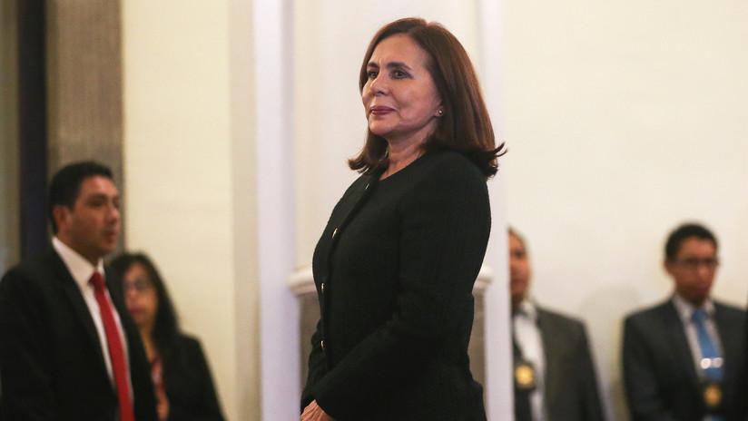 """Canciller de facto de Bolivia anuncia que Cuba retirará a 725 """"funcionarios de cooperación"""""""