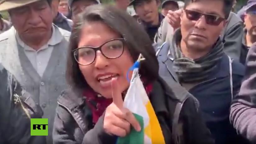 """""""¿Creen que somos ignorantes?"""": El contundente discurso de una mujer indígena a lo que sucede en Bolivia (VIDEO)"""