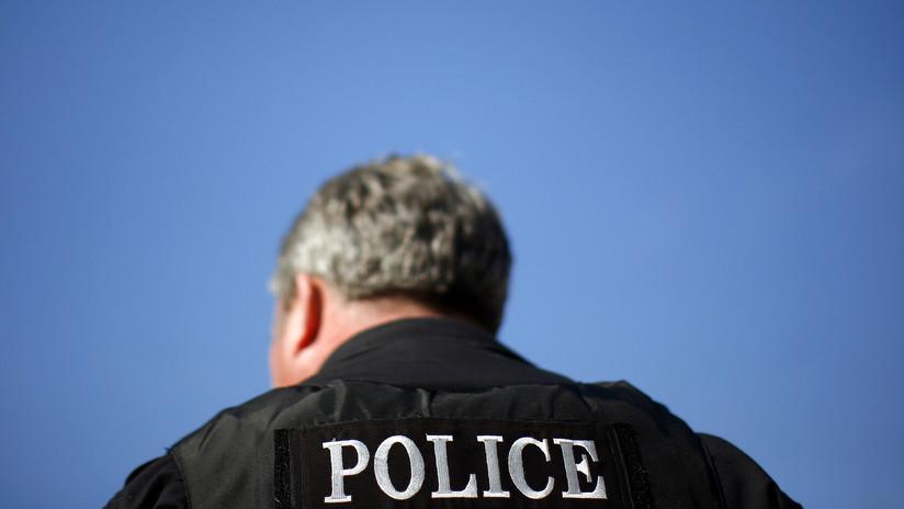 Filman a un policía de EE.UU. inmovilizando a un adolescente sin piernas ni brazos (VIDEO)