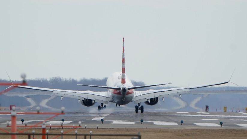 """""""Me ruegan que no las haga subir a ese avión"""": Azafatas de American Airlines temen volar en los Boeing 737 Max"""