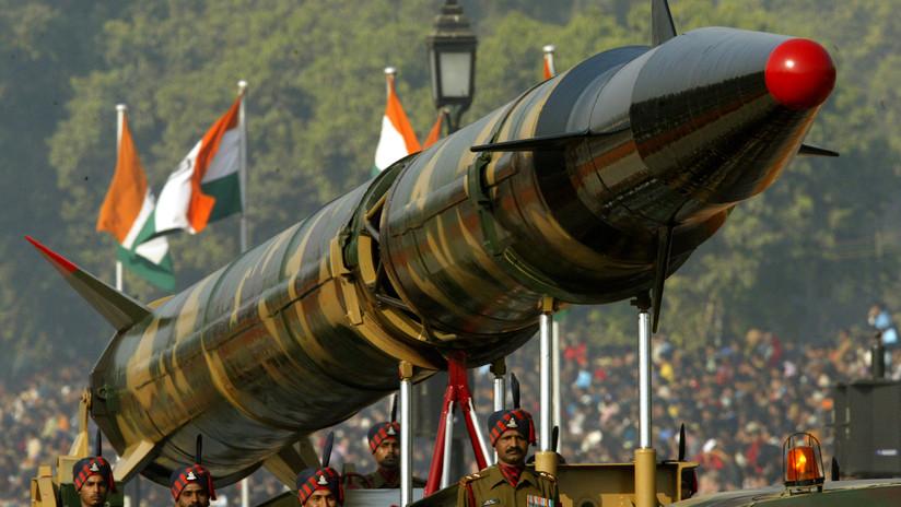 La India prueba con éxito el misil balístico con capacidad nuclear Agni-II