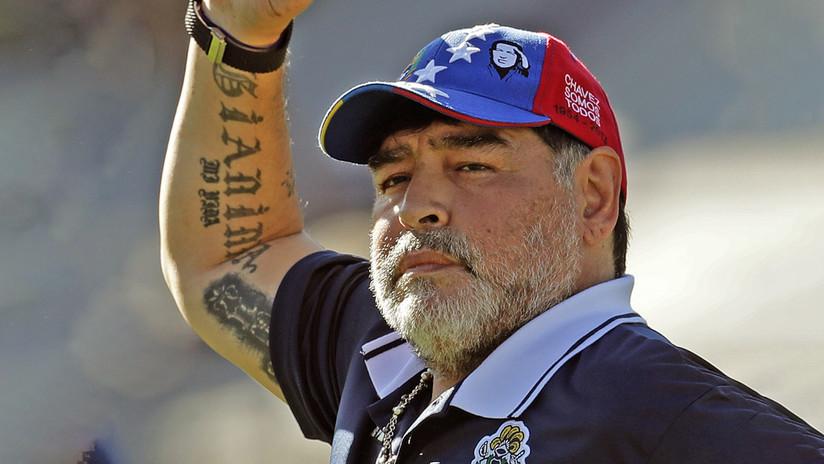 Un hincha argentino se tatúa a Diego Maradona y el resultado desata las burlas en la Red