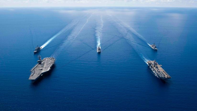 """China llama a EE.UU. a """"dejar de sacar músculo"""" en el mar de la China Meridional"""