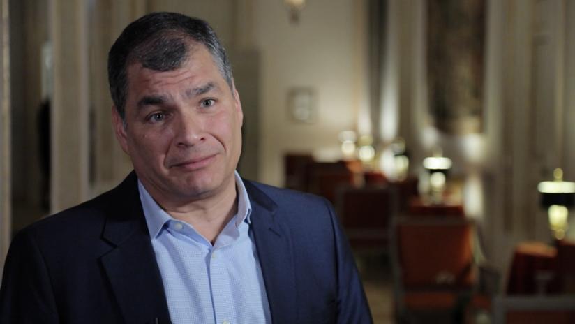 """""""Es por mi culpa, porque me ha dado espacio para un programa"""": Correa comenta el corte de señal de RT en Ecuador (VIDEO)"""
