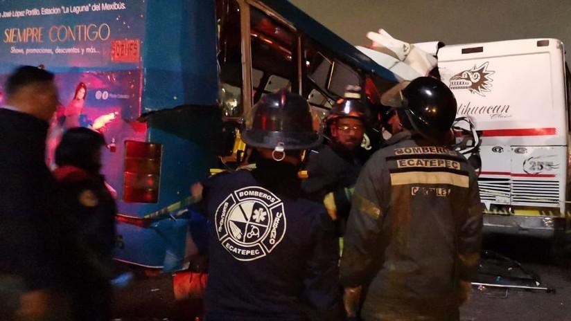 Al menos 11 muertos y decenas de heridos en choque de tres autobuses en una autopista de México