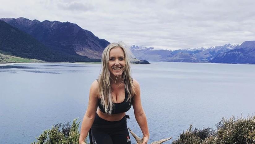 FOTOS: Una cazadora posa semidesnuda con sus 'trofeos' para Instagram y recibe amenazas de muerte