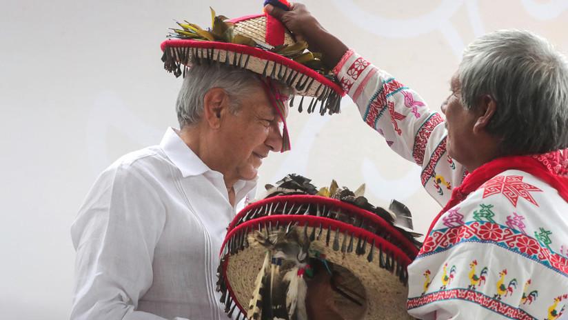 Los 'whitexicans' acusan a López Obrador de racista por dar prioridad a indígenas en entrega de pensiones