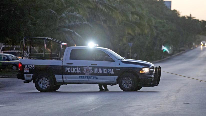 Captan cómo un policía de México mata a un perro de un balazo sin motivo aparente