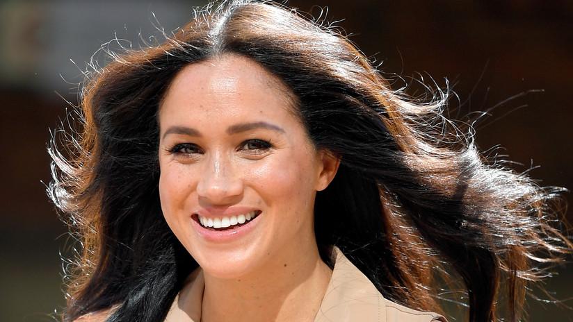 """Markle demanda a tabloides británicos por publicar """"mentiras absurdas"""" sobre su relación con sus padres y supuestas lujosas remodelaciones"""