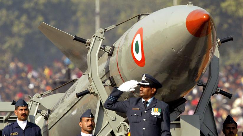 India lanza con éxito dos misiles con capacidad nuclear días tras una prueba similar de Pakistán