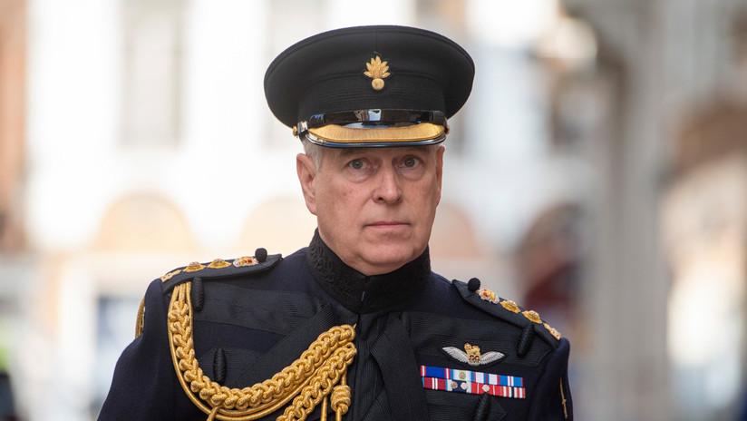 Aconsejan al príncipe Andrés no ir a EE.UU. a declarar por el caso Epstein por el riesgo de ser arrestado