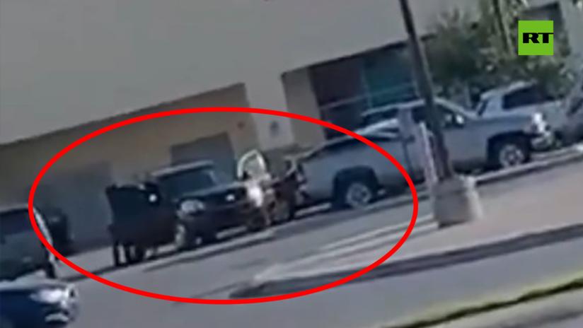 VIDEO: Miembros de un cártel mexicano roban camionetas a plena luz del día