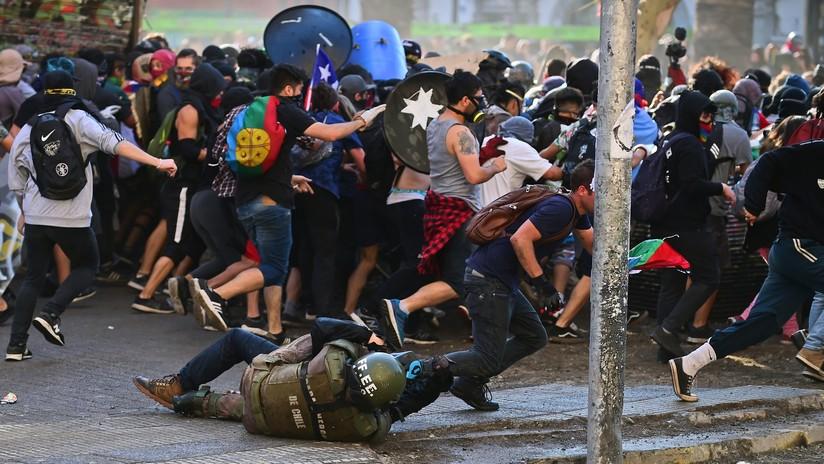 """Chilenos toman las calles para hacer la quinta """"Marcha más grande"""" contra el Gobierno de Piñera"""