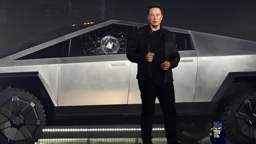 VIDEO: Elon Musk muestra una prueba del vidrio de la Cybertruck para probar que no debería haberse roto en plena presentación