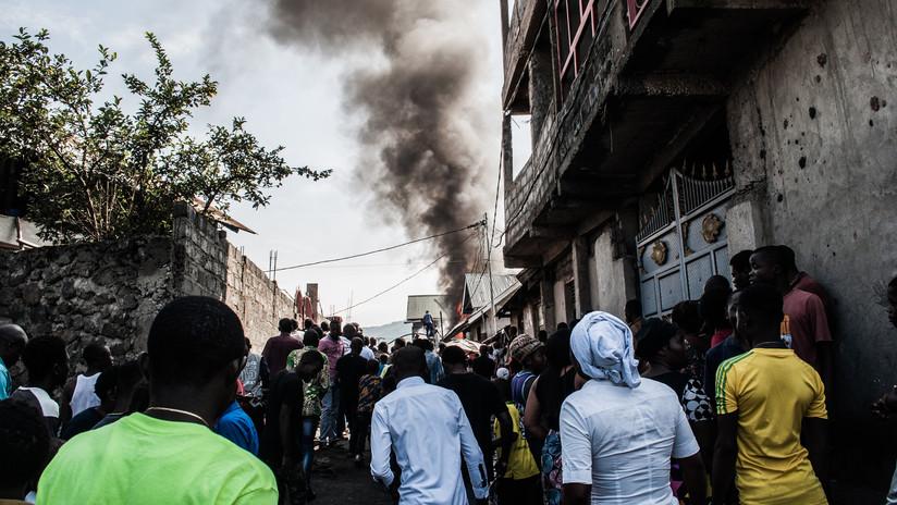 Al menos 18 muertos al estrellarse un avión sobre un área residencial en República Democrática del Congo