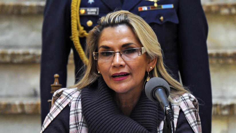 La presidenta de facto de Bolivia promulga la ley de convocatoria a nuevas elecciones