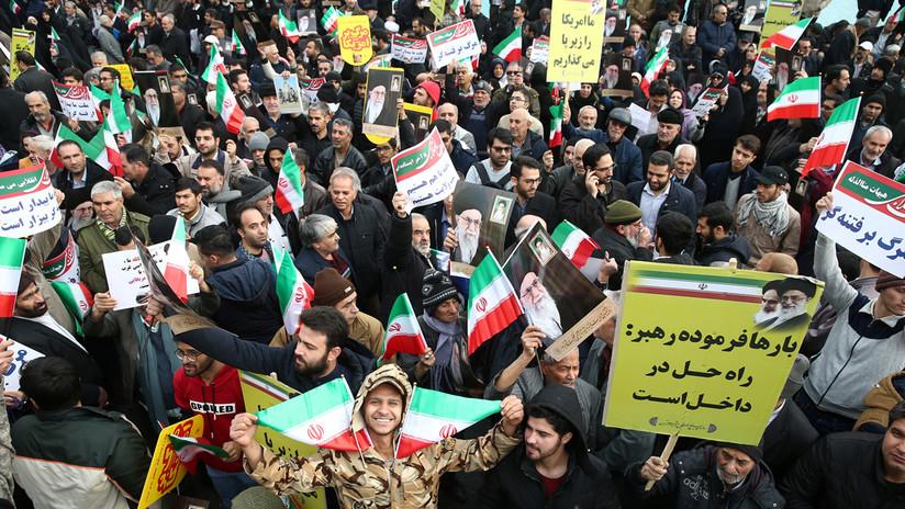 """""""Los destruiremos si cruzan las líneas rojas"""": comandante iraní advierte a EE.UU., Israel y Arabia Saudita desde una marcha oficialista"""
