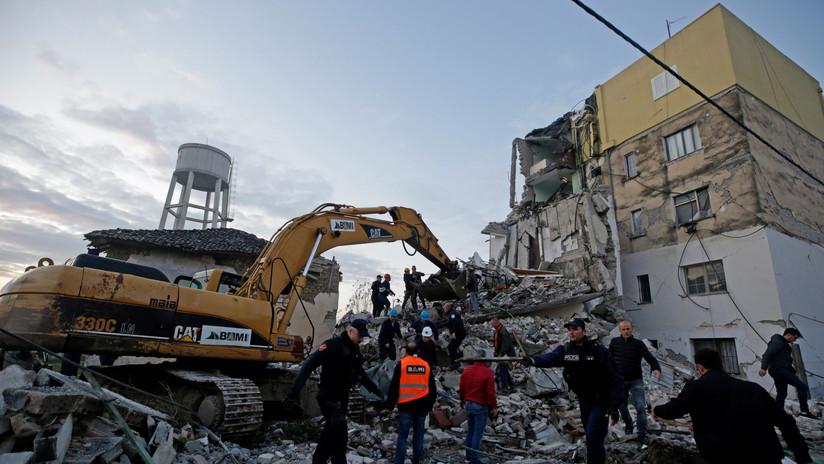 Más de 25 muertos y 600 heridos por el terremoto en Albania