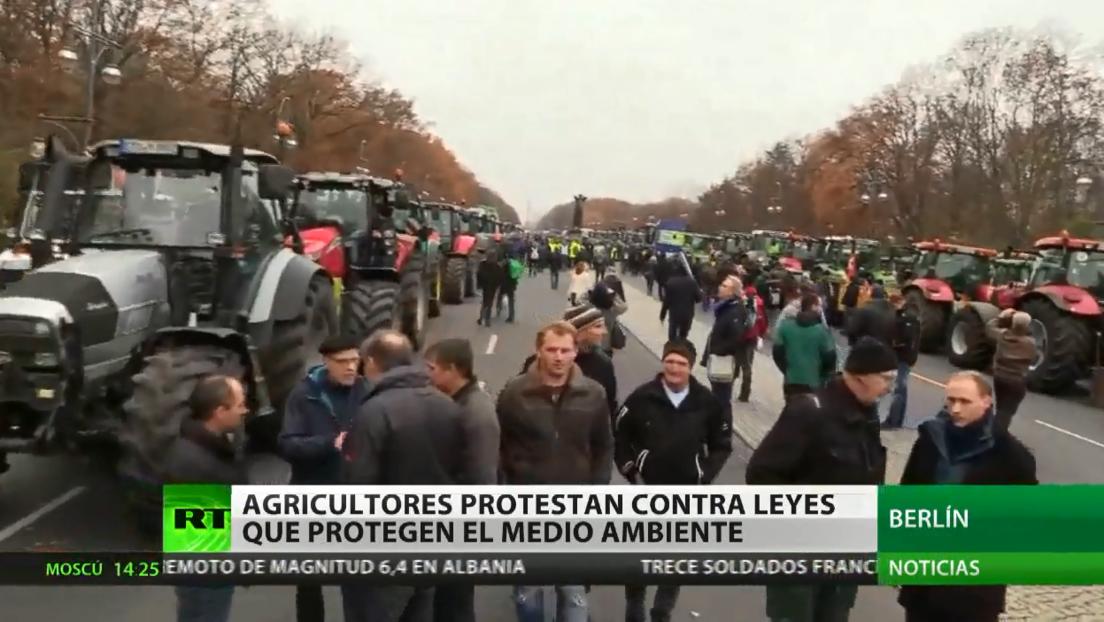 Agricultores protestan contra las leyes de protección ambiental en Alemania