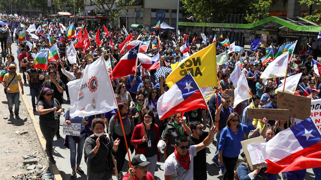 Miles de chilenos se movilizan en una nueva jornada de huelga general
