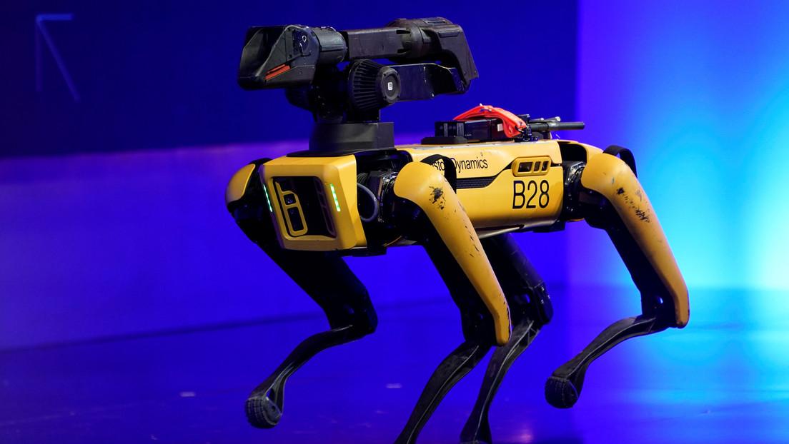 Perros robot de Boston Dynamics 'hacen prácticas' con la Policía (VIDEO)