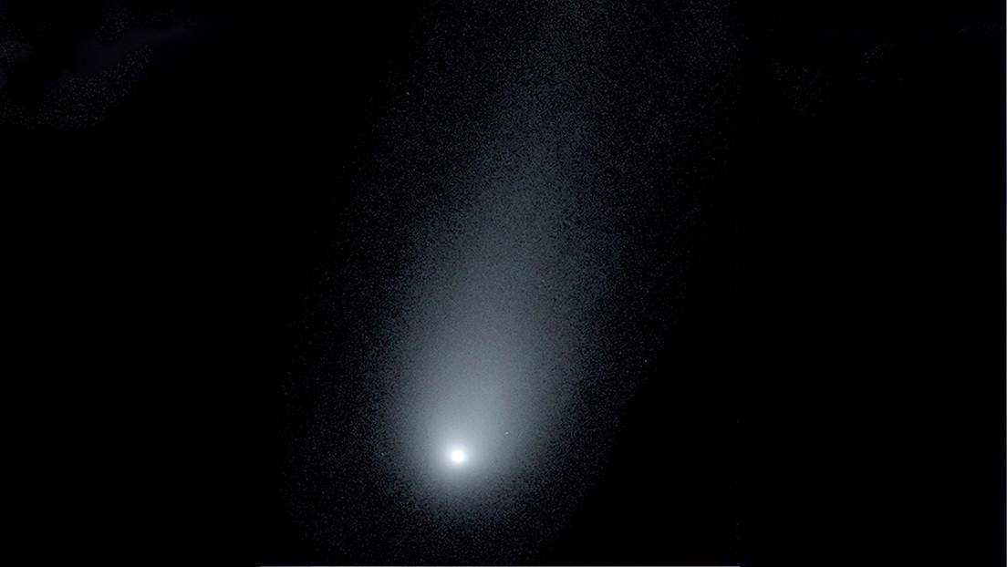 """Astrónomos captan un cometa """"fantasmal"""" que se dirige hacia la Tierra"""