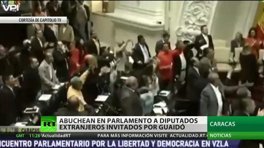 Venezuela: Abuchean a legisladores extranjeros invitados al Parlamento por Juan Guaidó