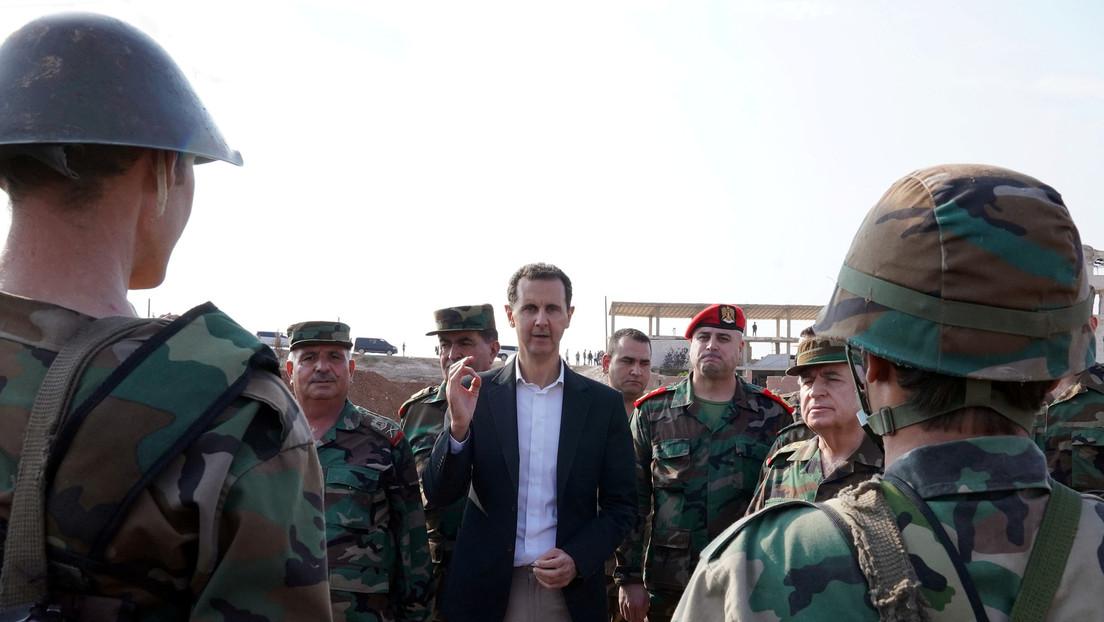 """""""¿Podemos enviar las fuerzas sirias a Francia sin ser invitados?"""": Assad compara la presencia francesa en Siria con """"una ocupación"""""""