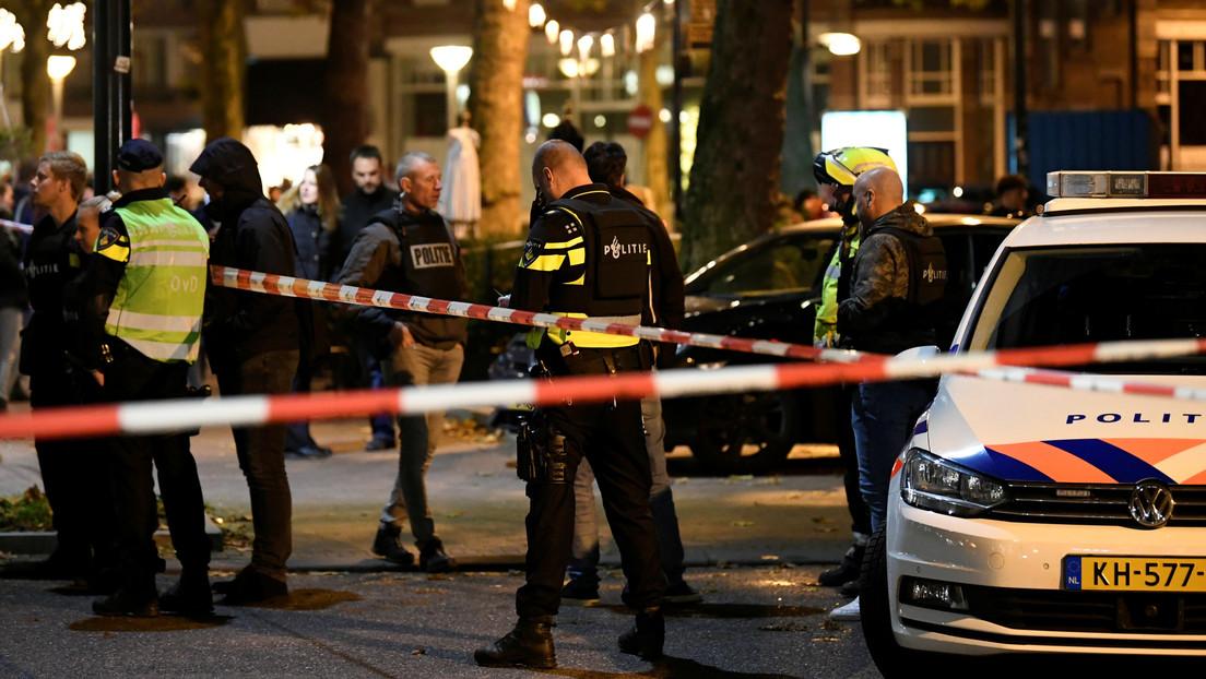 Tres adolescentes apuñalados por un hombre en una calle comercial en La Haya