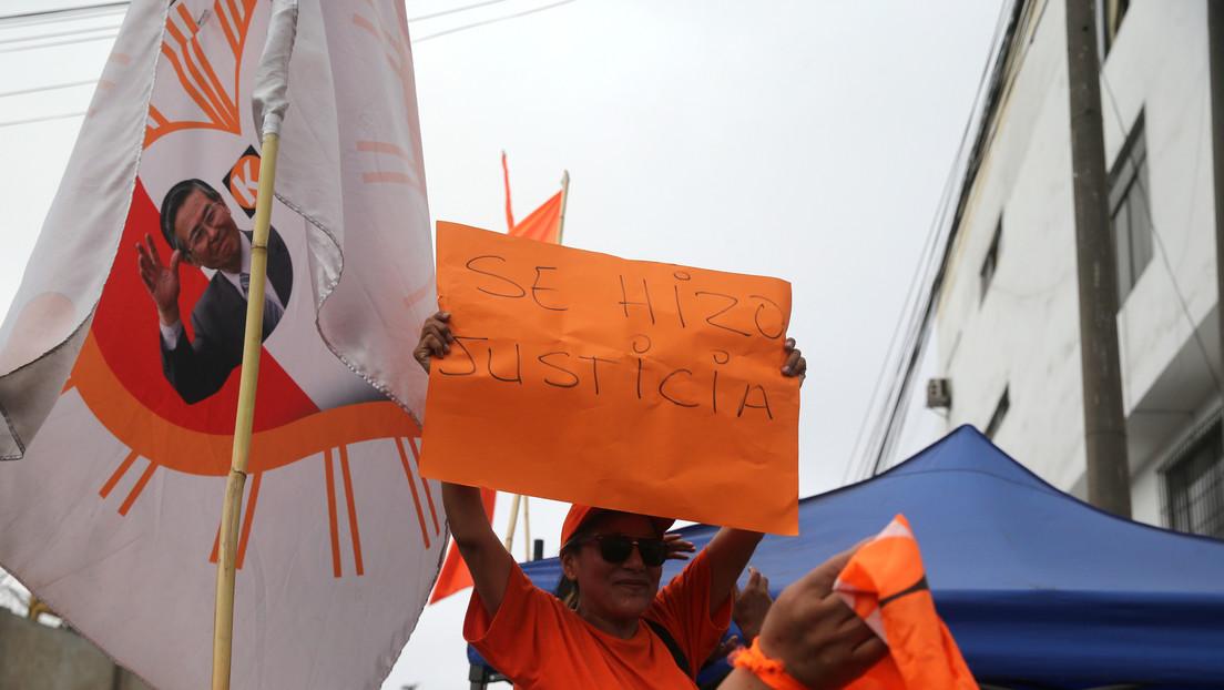 Manifestantes rodean el penal donde está recluida Keiko Fujimori en Perú, a la espera de su liberación