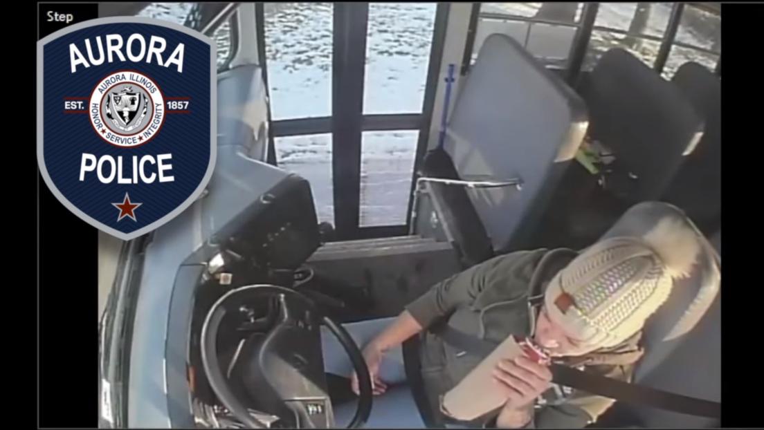 """""""Totalmente irresponsable"""": graban a una mujer bebiendo cerveza mientras conduce un autobús escolar (VIDEO)"""