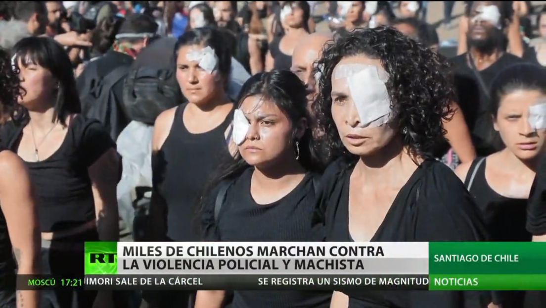 Miles de personas marchan contra la violencia policial y machista en Chile