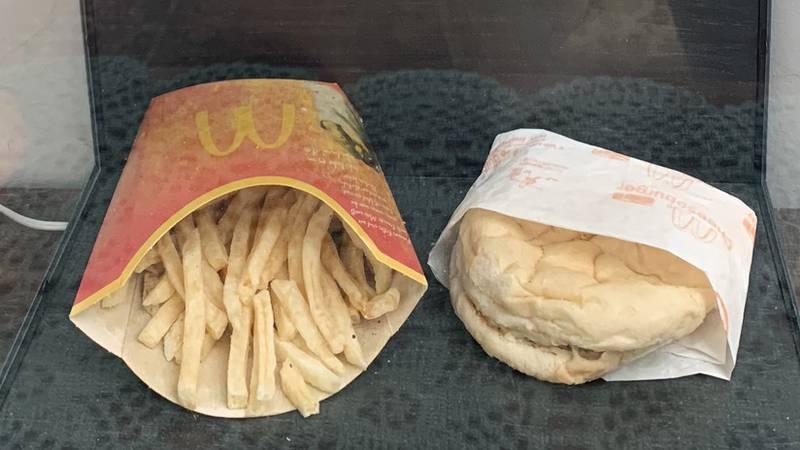 Así se ve una hamburguesa de McDonald's tras diez años — Impactante