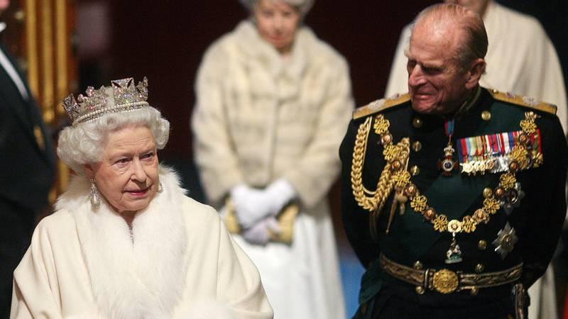 Isabel II, contra los abrigos de piel de animal