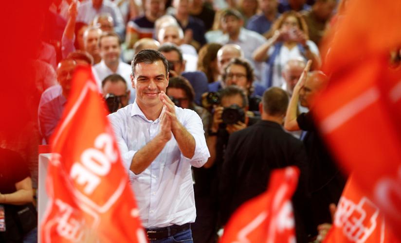 El candidato socialista y presidente en funciones, Pedro Sánchez, en un mitin en Sevilla. 31 de octubre de 2019.