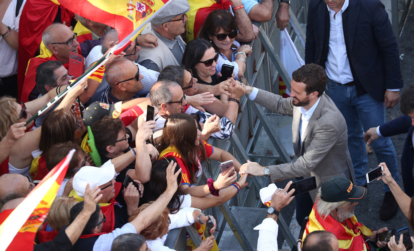 El líder del PP, Pablo Casado, en una manifestación para pedir el fin del separatismo en Cataluña. Barcelona, 27 octubre 2019.