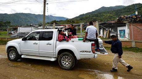 Transportan ataúd de la líder Cristina Bautista asesinada en el Cauca, Colombia. 31 de octubre 2019.