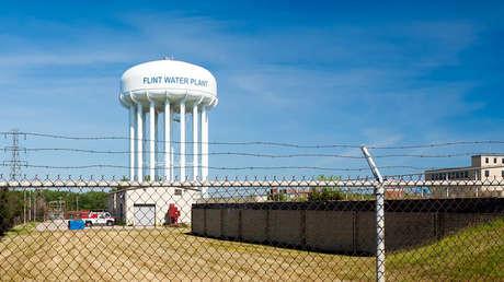 Tras 5 años de crisis del agua en una ciudad de EE.UU. la población denuncia que aún no puede beber del grifo