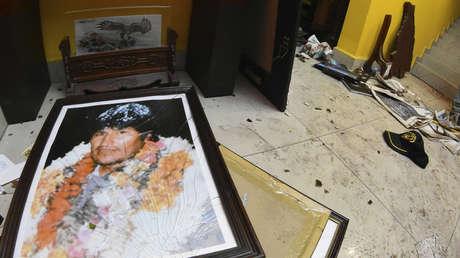 VIDEO: Opositores saquean y vandalizan la casa de Evo Morales y sus exministros en Bolivia