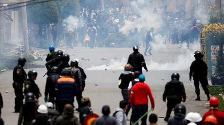 Manifestantes que rechazan el Golpe de Estado en Bolivia denuncian que fueron heridos por la Policía