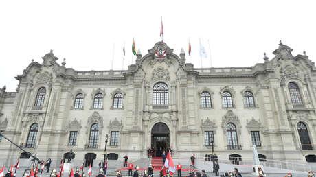 Perú abre su espacio aéreo para que un avión busque a Evo Morales en Bolivia
